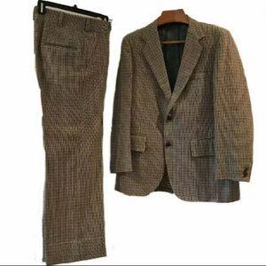 42 Reg vintage Scottish Tweed Plaid Wool Suit